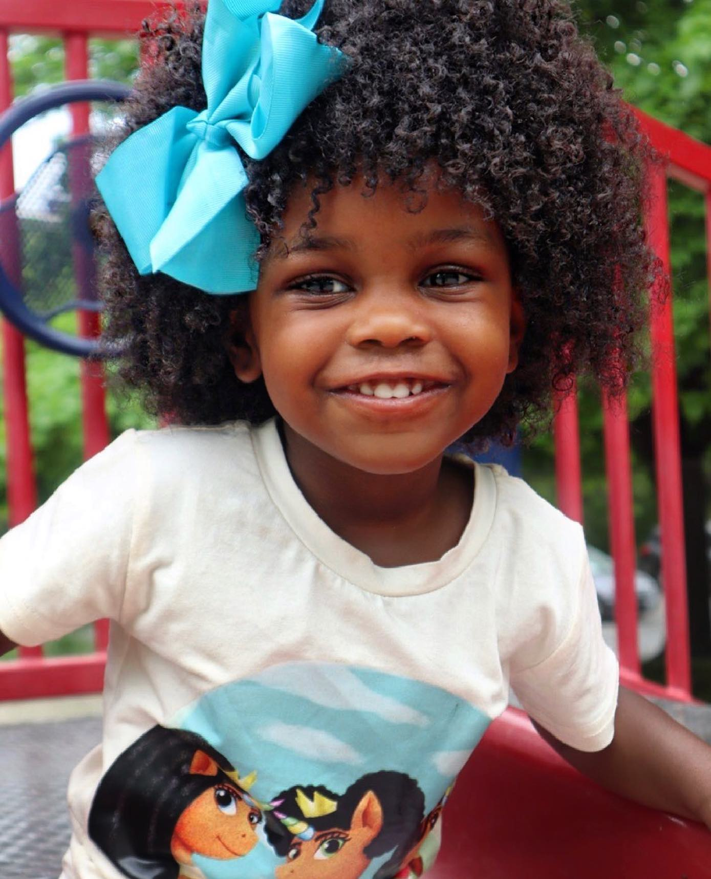 Regardless of whether or not you're well-versed in taking care of your own curls or coils, caring for a child's curly hair can be a real challenge. The child may have a different hair texture, porosity, or density than what you're used to. Finding the right products for your little one can make all the difference. We've narrowed it down to a few kid friendly lines such as @sheamoisturebaby & KIDS, @curls KIDS, @auntjackiescurlsandcoils KIDS, @socozy , @frobabieshair , @curlyellie , @kinder.curls & @cantubeauty KIDS